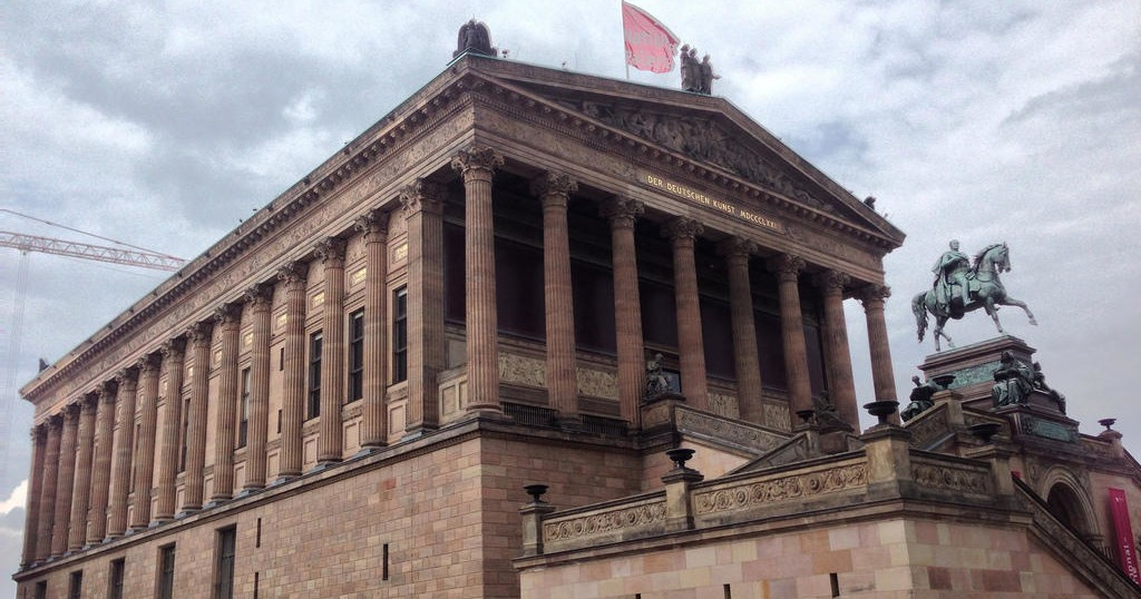 Neues Museum & Pergamon Museum + Berlin City Skip-the-Line Guided Combo Tour – Private Tour in German
